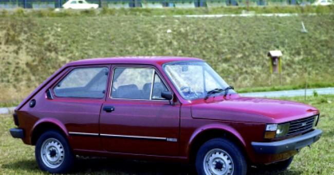 imagem do carro versao 147 CL 1.050