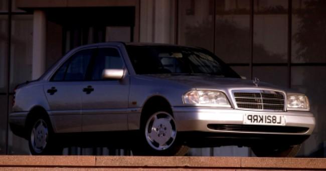 imagem do carro C240