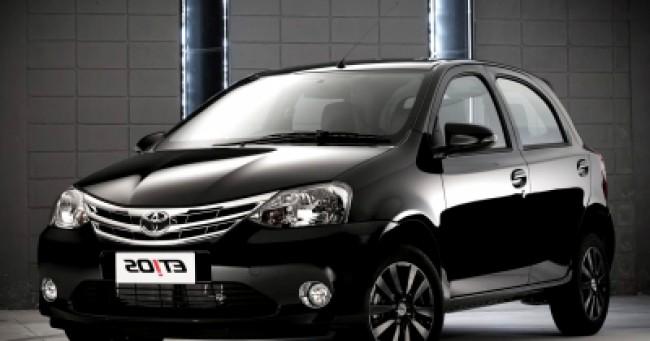 imagem do carro versao Etios Platinum 1.5