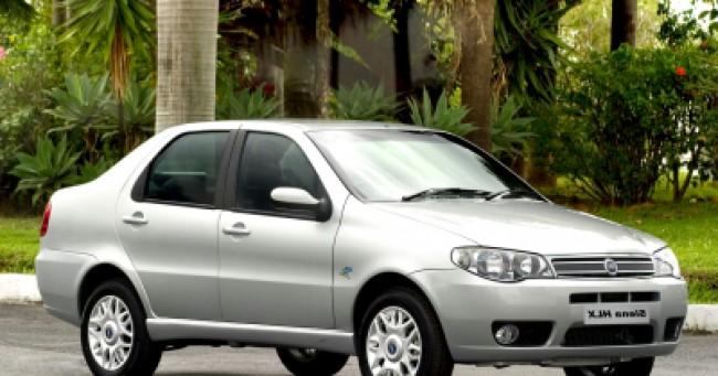 imagem do carro versao Siena HLX 1.8